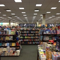 Photo taken at Barnes & Noble by Ponchito S. on 11/20/2012