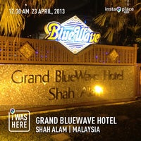 Photo taken at Grand BlueWave Hotel by Mohd Radzman i. on 4/22/2013