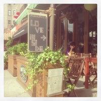 Photo taken at Organika - Organic Bar & Kitchen by jairo b. on 7/24/2013