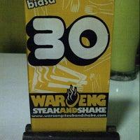 Photo taken at Waroeng Steak & Shake by Sanny F. on 4/5/2013
