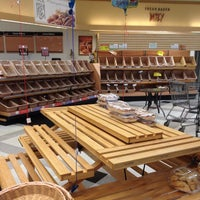 Photo taken at Waldbaum's by Momo W. on 11/5/2012