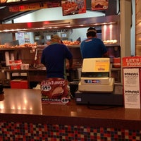 Photo taken at Popeyes Louisiana Kitchen by Rudy H. on 10/28/2013