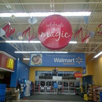 Photo taken at Walmart Supercentre by Ady P. on 11/3/2012