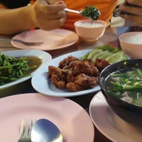 Photo taken at ข้าวต้มชาววัง จ.พิษณุโลก by Yara Y. on 12/14/2013