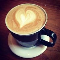 Photo taken at Gloria Jean's Coffees by Dalia A. on 5/10/2013