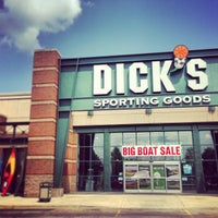Photo taken at Dick's Sporting Goods by Robert B. on 5/20/2013