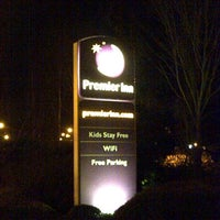 Photo taken at Premier Inn Bracknell Central by Andrew R. on 2/14/2013