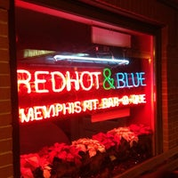 Photo taken at Red Hot & Blue  -  Barbecue, Burgers & Blues by Jeremy P. on 12/15/2012