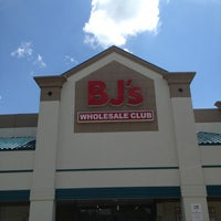 Photo taken at BJ's Wholesale Club by Robert S. on 8/31/2013