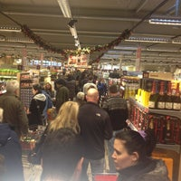 Photo taken at HIT Markt  Bonn-Bad Godesberg (Mehlem) by Frank A. on 12/31/2012