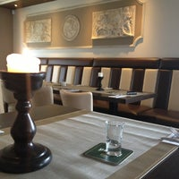 Photo taken at Grieks restaurant Parthenon by Jee T. on 5/30/2013