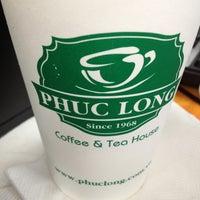 Photo taken at Phúc Long Coffee & Tea Express Mac Thi Buoi by Bin H. on 2/20/2013