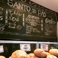 Photo taken at Santo Pão Boulangerie by Mesa Carioca on 4/21/2015