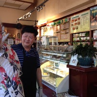 Photo taken at Royal Ground Coffee by Cathy K. on 8/9/2016