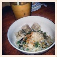 Photo taken at Sen Lek Thai Noodle by Beryl S. on 2/26/2013