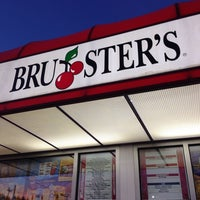 Photo taken at Bruster's Real Ice Cream by Ammie B. on 2/23/2014