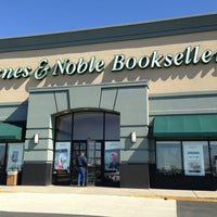 Photo taken at Barnes & Noble by Shannon D. on 3/3/2013