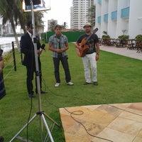 Photo taken at Hotel Praiamar by Lideney R. on 1/25/2013