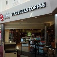 Photo taken at Starbucks by Olexy S. on 8/20/2013