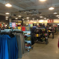 Photo taken at Under Armour by Leslie 🔆 H. on 9/25/2013