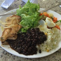 Photo taken at Restaurante Cogumelos (Buffet a peso) by Marcos P. on 6/17/2014