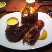 Photo taken at Outback Steakhouse by Hendra W. on 10/16/2013