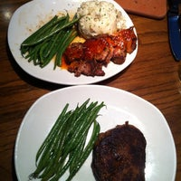 Photo taken at Outback Steakhouse by Hendra W. on 10/20/2012