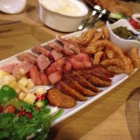 Photo taken at Palm Cuisine by Kazuko O. on 9/29/2014