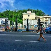 Photo taken at Graffiti's Place Jalan Ewan by erman on 9/19/2013