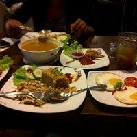 Photo taken at Black Canyon Coffee by Jauharotul c. on 1/19/2013