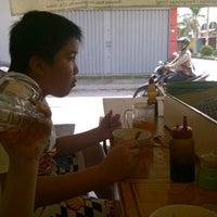 Photo taken at Soto Ayam Khas Semarang Pak Rusdam by Dewi M. on 12/17/2012