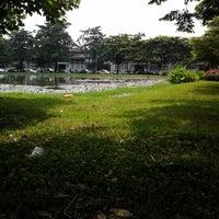 Photo taken at Ramkhamhaeng University by Panudda K. on 9/30/2012