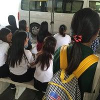 Photo taken at ท่ารถตู้มธ.รังสิต - อนุสาวรีย์ฯ/ฟิวเจอร์ฯ (TU-Future Park Rangsit/Victory Monument Van Stop) by Arinchaphid B. on 8/26/2016