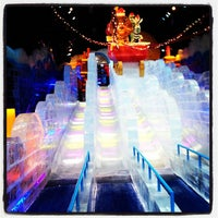 Photo taken at ICE! & SNOW Tubing - Gaylord Texan by Kacey W. on 11/29/2012