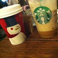Photo taken at Starbucks by Sipo Δ. on 11/21/2012