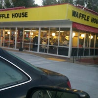 Photo taken at Waffle House by Kelvin M. on 11/22/2012