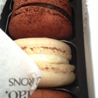 Photo taken at Bisous Ciao Macarons by Joeffre Y. on 9/28/2012