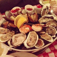 Photo taken at Grand Central Oyster Bar by Vivie S. on 12/5/2012