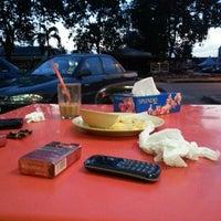 Photo taken at Restoran Vicchuda Meru Indah by Eddy Z. on 3/27/2013
