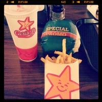 Photo taken at Carl's Jr. by Astley W. on 12/23/2012