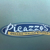 Photo taken at Picazzo's Organic Italian Kitchen by Robert K. on 11/25/2012