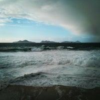 Photo taken at Praia de Fortiñón by opaco on 2/1/2014