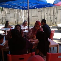 Photo taken at Kopi O' Corner by Zahrain M. on 9/19/2012