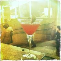 Photo taken at Peak Café & Bar 山頂餐廳酒吧 by Kayhan K. on 4/12/2011