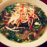 Photo taken at Dua Vietnamese Noodle Soup by Mark B. on 11/30/2012