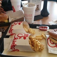 Photo taken at Chick-fil-A by R G. on 5/21/2015