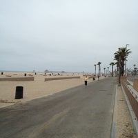 Photo taken at Huntington Beach Bike Trail & Boardwalk by Mike B. on 4/29/2013