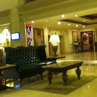Photo taken at Radisson Hotel by Cyrus C. on 11/10/2012