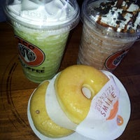 Photo taken at J.Co Donuts & Coffee by Lidia W. on 1/13/2013