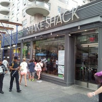 Photo taken at Shake Shack by Oliver W. on 8/12/2013